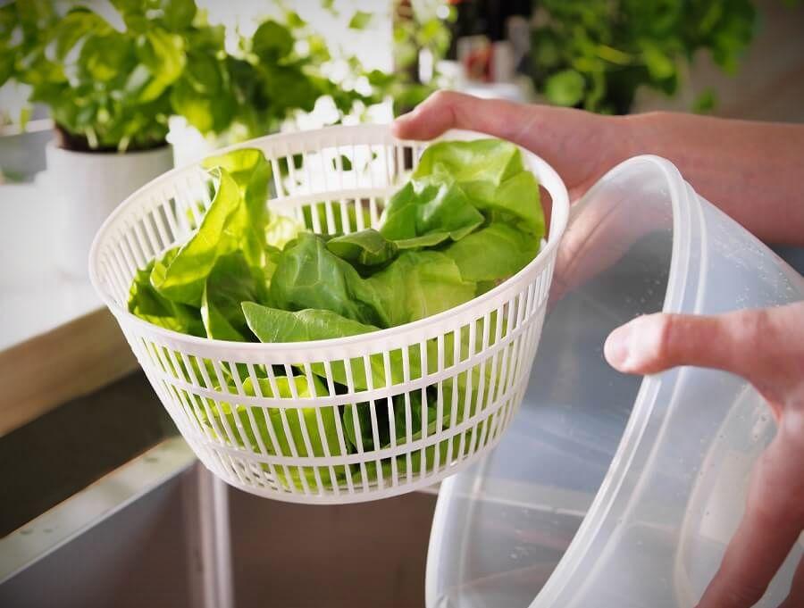 как хранить зелень в холодильнике долго свежей