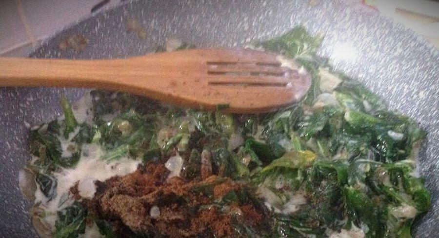 паста со шпинатом в сливочном соусе