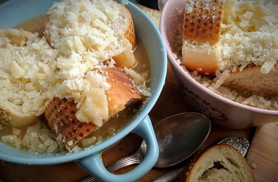 klassicheskiy recept lukovogo supa10